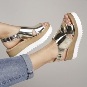 Shoes - Sandal Wedges